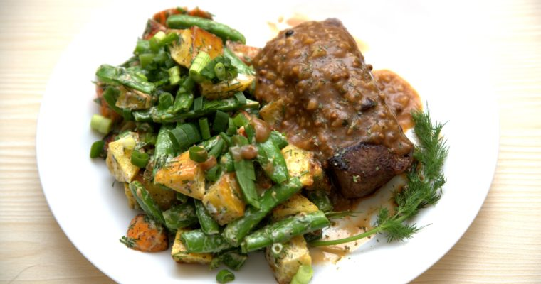 Steak & Gravy with Potato and Sweet Peas Salad